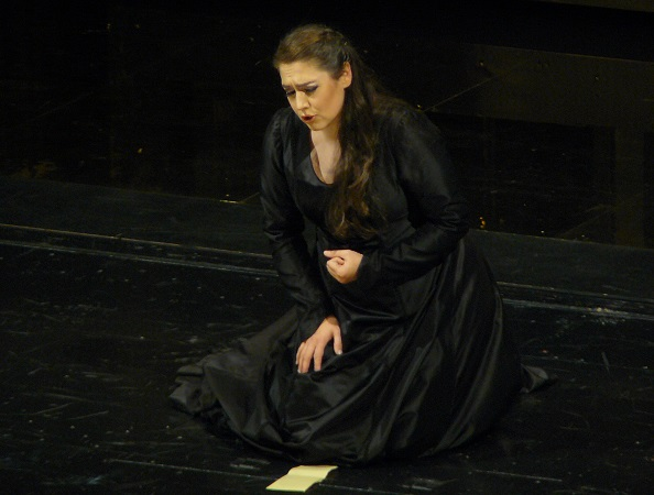 Oksana Dyka (Aïda) / fomalhaut.over-blog.org