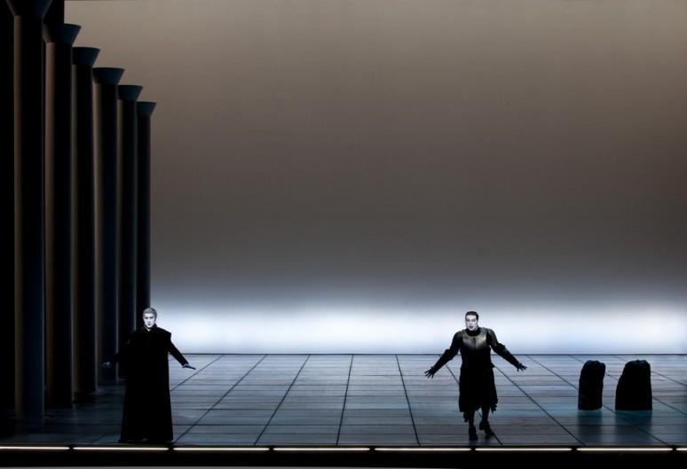 Andrea Concetti (Sénèque) & Jeremy Ovenden (Néron) - © Opéra National de Paris / Andrea Messana