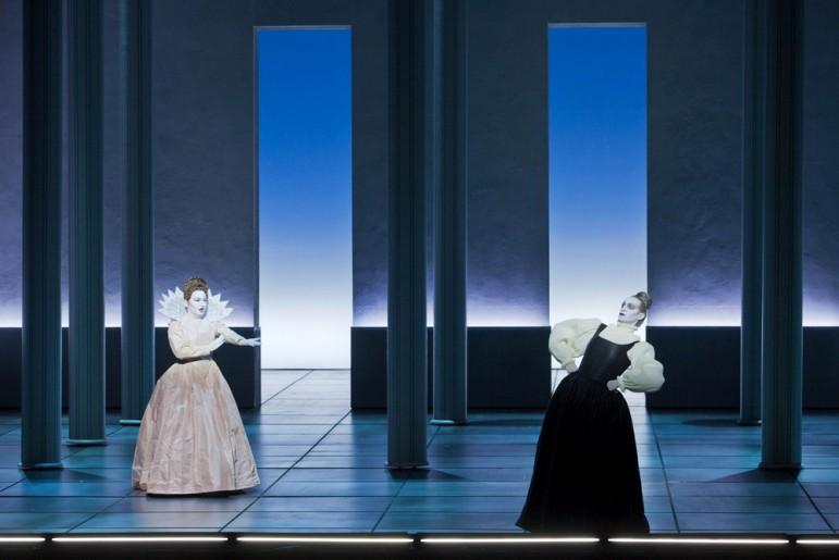 Karine Deshayes (Poppée) & Manuel Nuñez Camelino (Arnalta) - © Opéra National de Paris / Andrea Messana