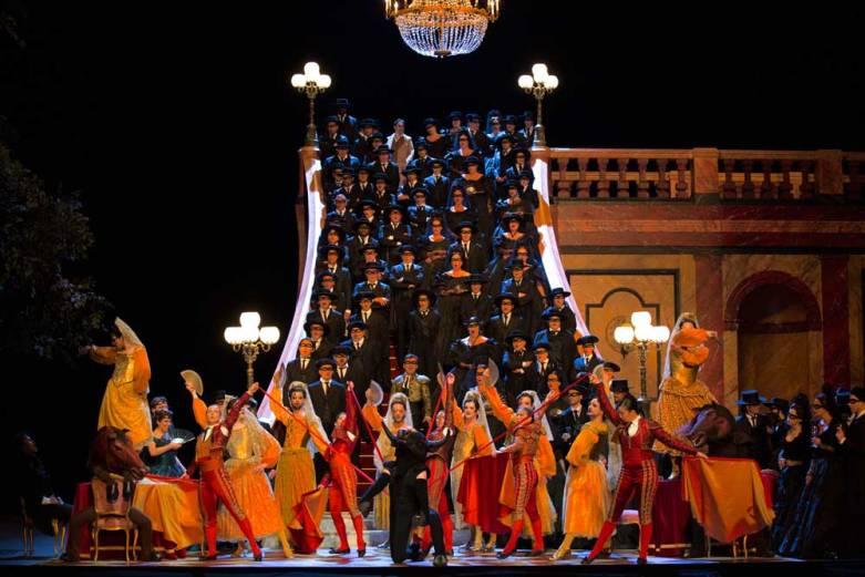 """""""La Traviata"""" à l'Opéra-Bastille (© Opéra National de Paris / Elisa Haberer)"""
