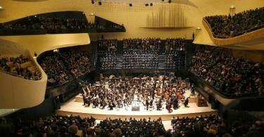L'Orchestre de Paris sur scène (© Charles Platiau / AFP)