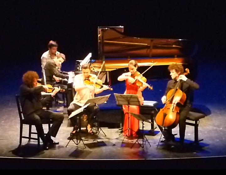 Adam Laloum et le Quatuor Strada sur la scène de l'Ancien Conservatoire de Paris, hier soir 14 avril 2015
