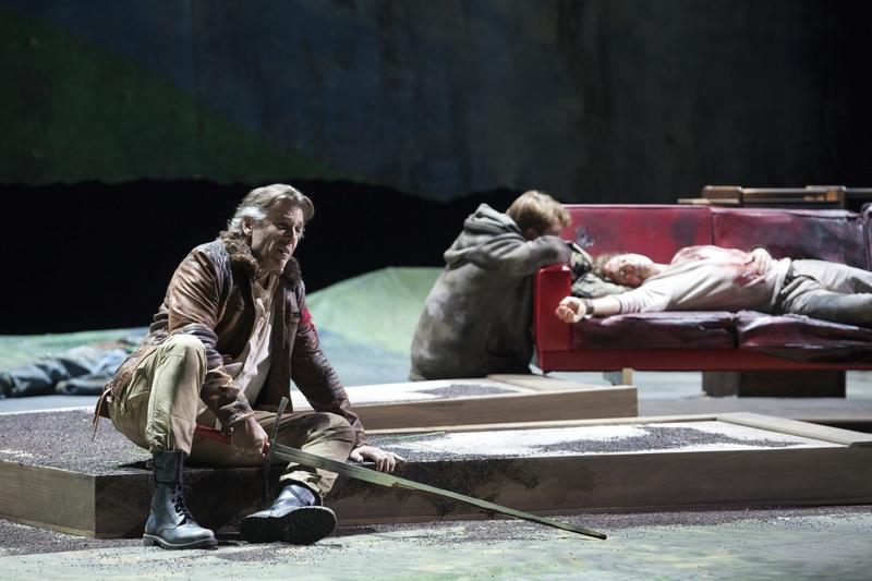 Thomas Hampton (Le Roi Arthus) à l'Opéra-Bastille (© Andrea Messana / Opéra National de Paris)