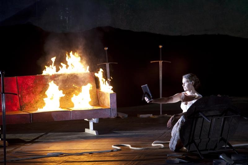 """Sophie Koch (Genièvre) dans """"Le Roi Arthus"""" à l'Opéra-Bastille (© Andrea Messana / Opéra National de Paris)"""
