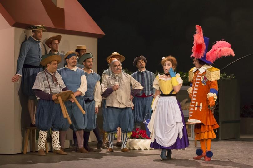 """""""Les Mousquetaires au couvent"""" de Louis Varney. Anne-Catherine Gillet (Simone), Ronan Debois (Rigobert) / DR Pierre Grosbois / Opéra-Comique"""