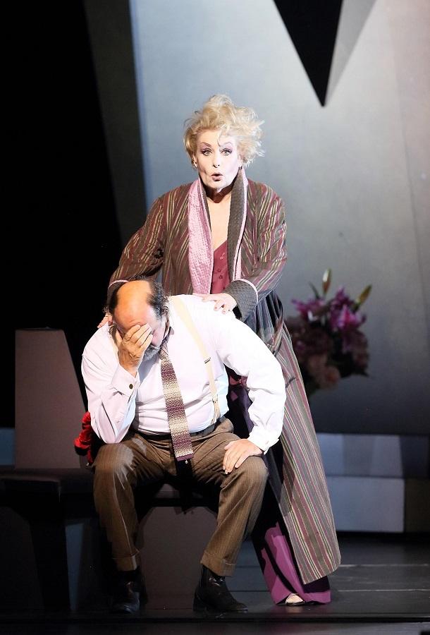 Doris Soffel & Kurt Rydl, Comte et Comtesse Waldner / Opéra de Munich © Wilfried Hösl