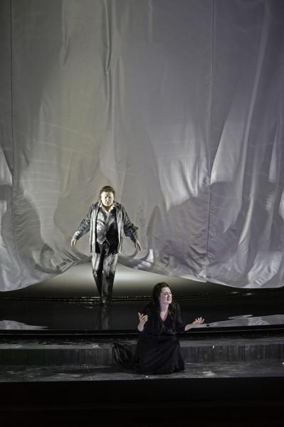 Ulysse (Marc Laho) et Pénélope (Anna Caterina Antonacci) / (© Klara Beck / Opéra du Rhin)