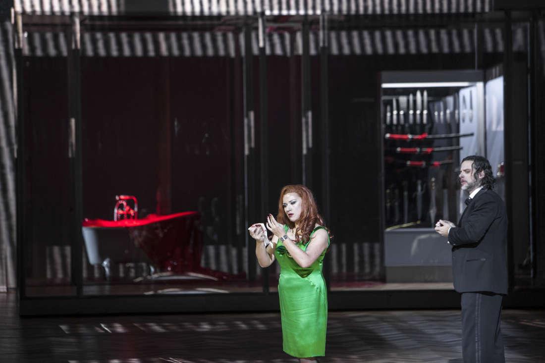 John Relyea (Barbe-Bleue) & Ekaterina Gubanova (Judith) / © Bernd Uhlig / Opéra National de Paris