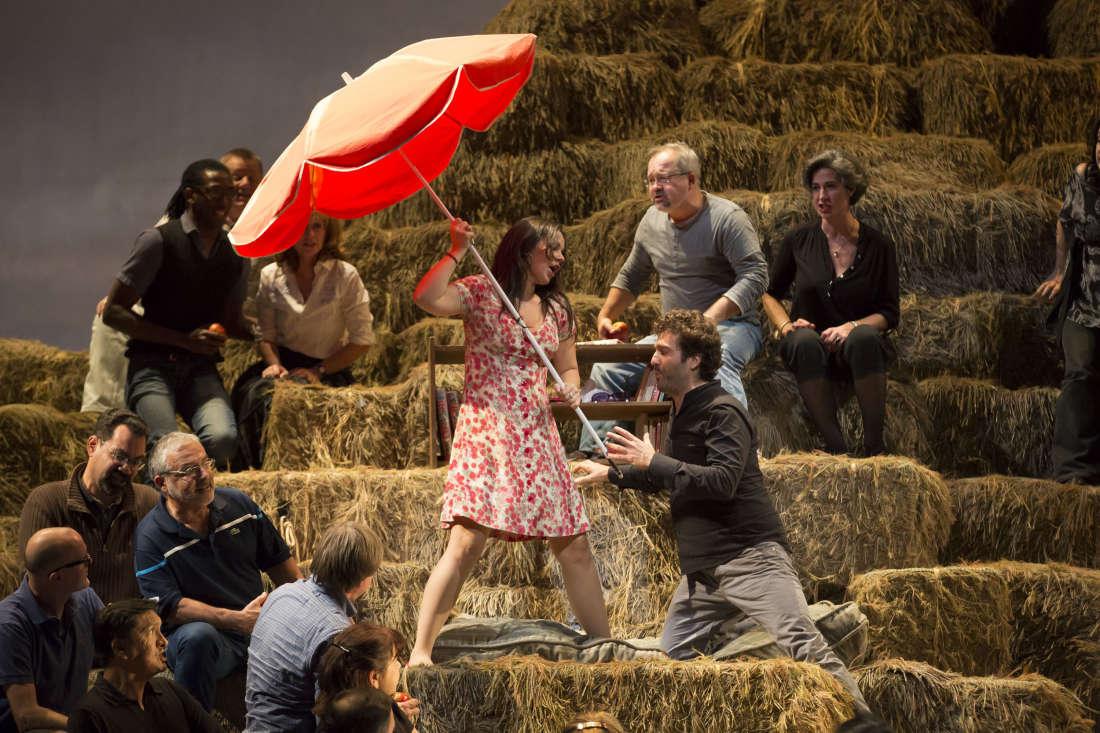 Adina (Aleksandra Kurzak) & Belcore (Mario Cassi) / © Christophe Pelé / Opéra National de Paris