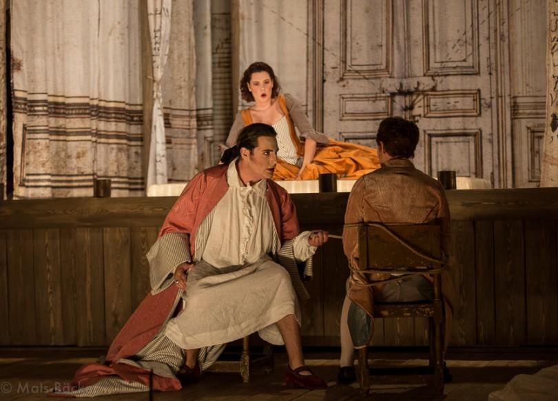 """""""Les Noces de Figaro"""" : """"Non più andrai"""" (Suzanne, Figaro, Chérubin) / © Mats Bäker"""