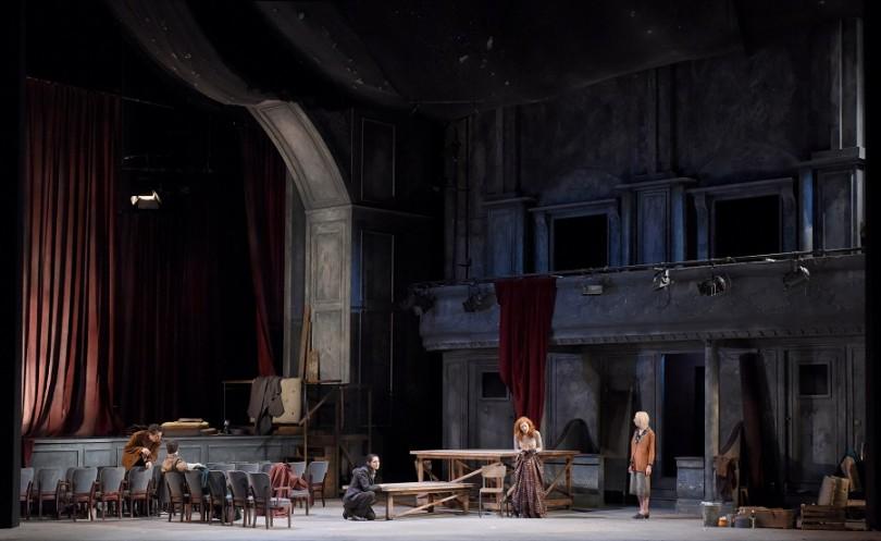 """""""Mithridate"""" au Théâtre des Champs-Elysées (février 2016) : au centre, Xipharès / Myrto Papatanasia & Aspasie / Patricia Petibon (© Vincent Pontet)"""