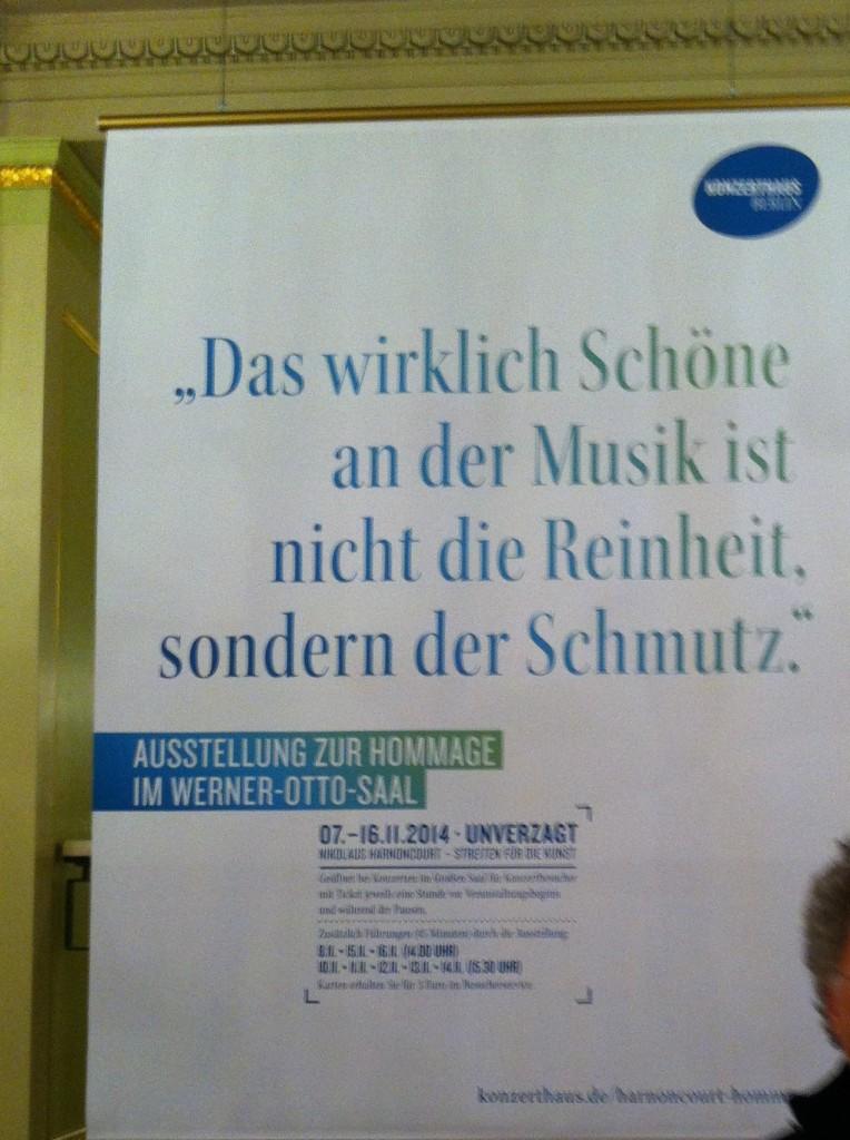 Affiche lors de la venue à Berlin de Nikolaus Harnoncourt