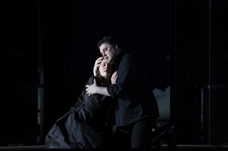 Aïda (Opéra Bastille). Sondra Radvanovsky (Aida), Aleksandrs Antonenko (Radamès) / © Damiana Guerganova (OnP)