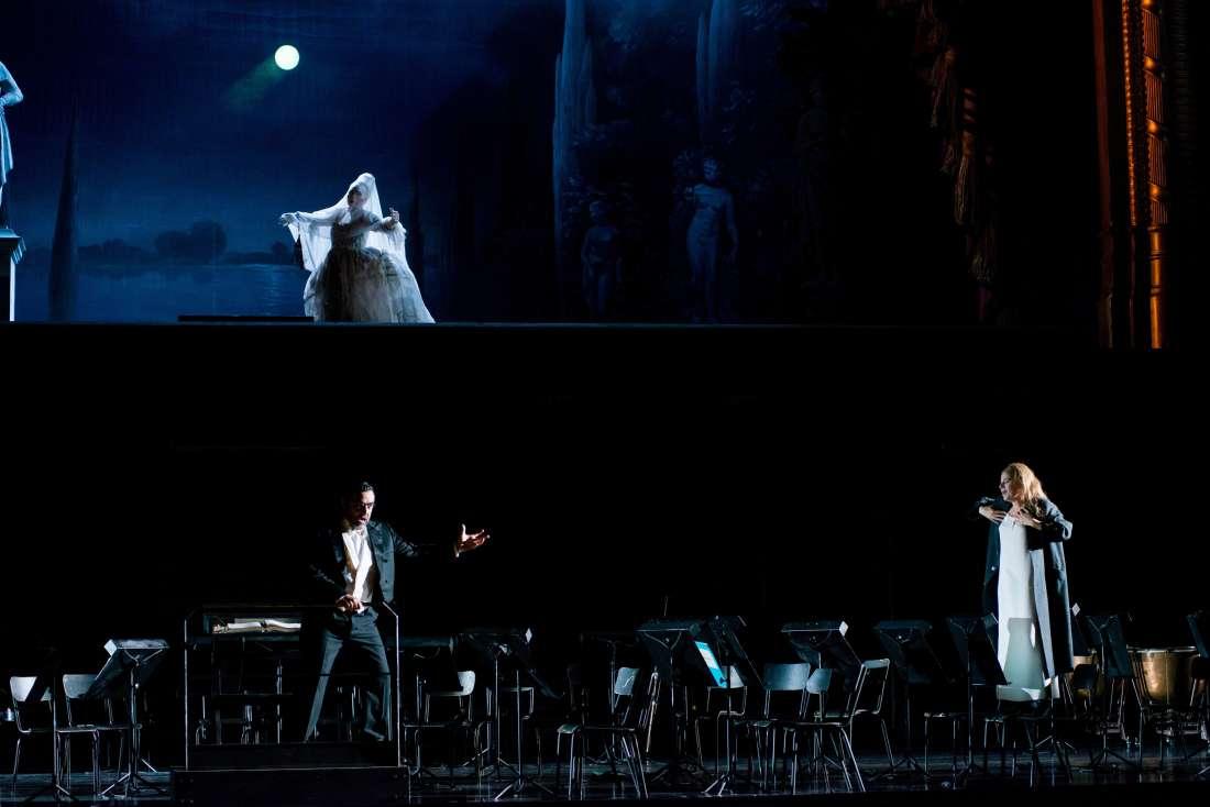 Les Contes d'Hoffmann, octobre 2016 à l'Opéra Bastille : l'acte d'Antonia / © Ian Patrick (ONP)