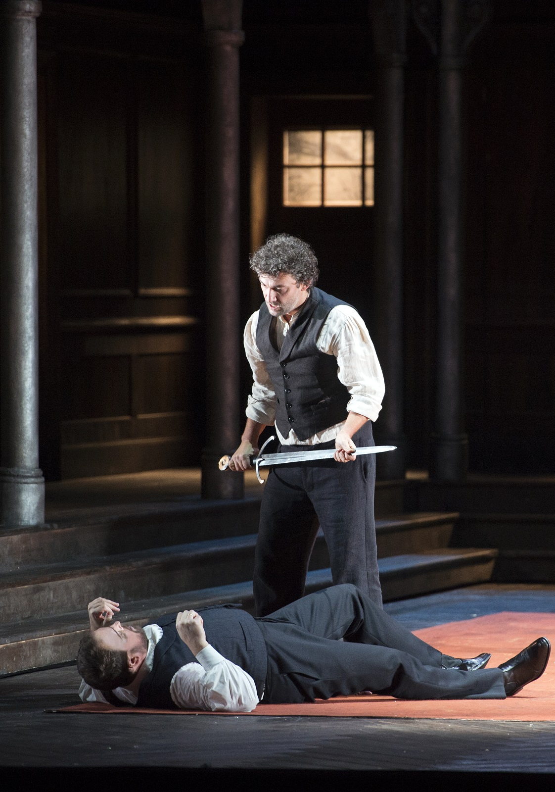 Jonas Kaufmann (Lohengrin) et Tomasz Konieczny (Friedrich Von Telramund) (© Monika Rittershaus / Opéra national de Paris)