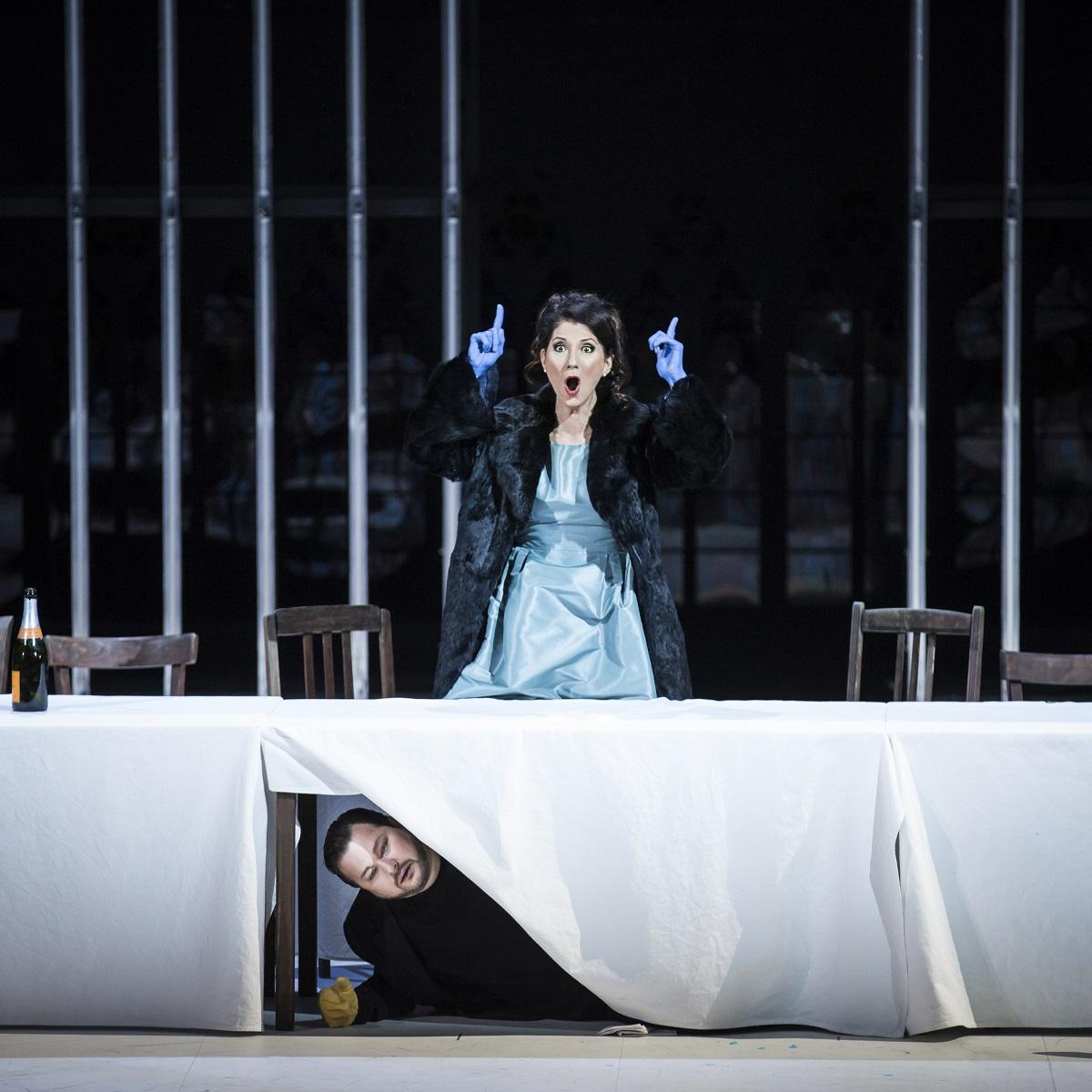 Eudoxie (Ana-Camelia Stefanescu) & le Prince Leopold (Robert McPherson) / © Klara Beck (Opéra National du Rhin)