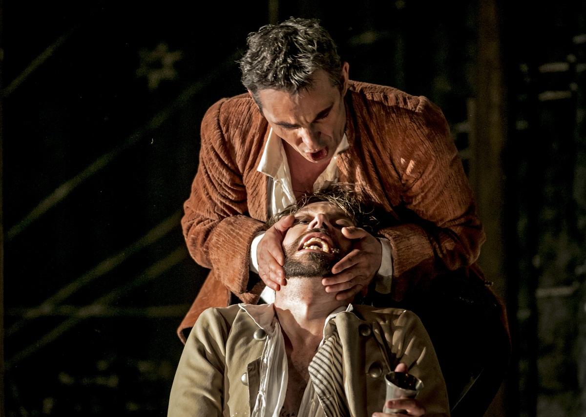 Don Giovanni (Jean-Sébastien Bou) & Leporello (Robert Gleadow) / © Mats Bäcker-Drottningholms Slottsteater (2016)