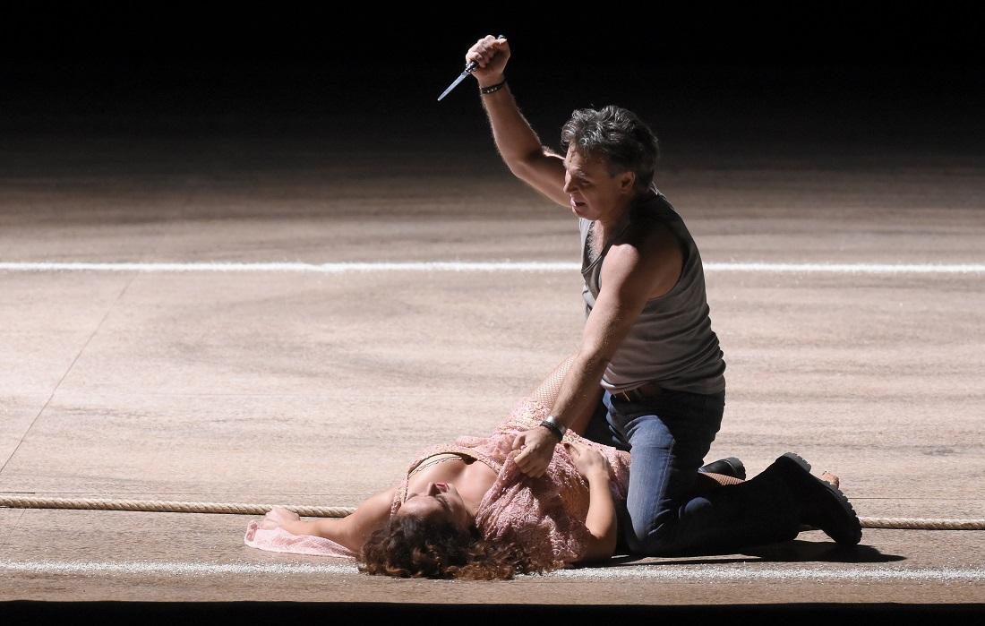 Roberto Alagna (Don José) et Clémentine Margaine (Carmen) / © Vincent Pontet (Opéra national de Paris, mars 2017)