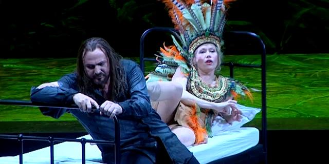 Salomé (Helena Juntunen) & Hérode (Wolfgang Ablinger-Sperrhacke) / DR