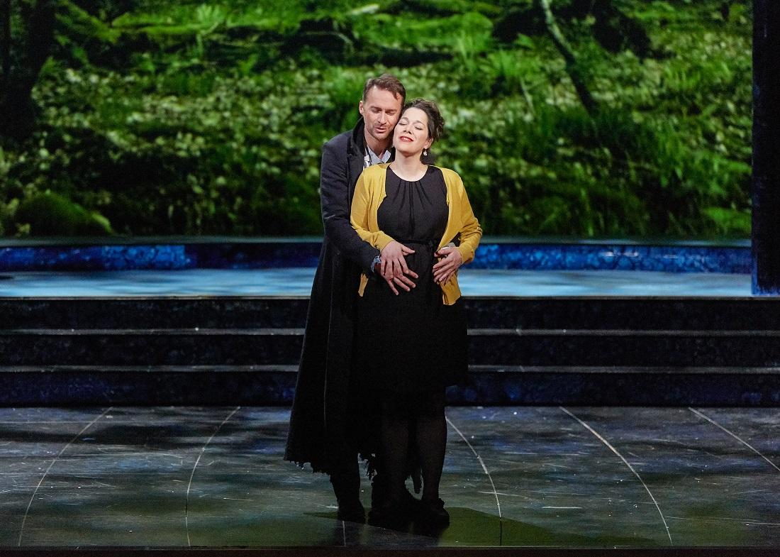 """""""Le Timbre d'argent"""" : Hélène Guilmette (Hélène), Edgaras Montvidas (Conrad) / © Pierre Grosbois (Opéra-Comique)"""