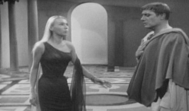 """Sylvia Montfort et Jacques Dacqmine dans """"Bérénice"""" en 1959 (DR)"""