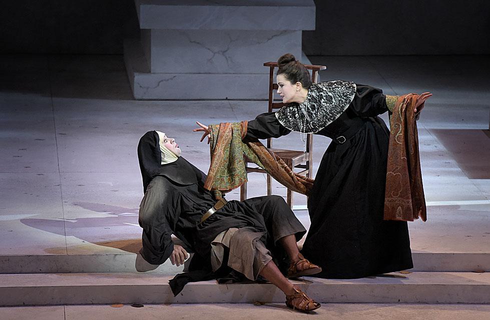 """""""Le Comte Ory"""" : Julie Fuchs (la Comtesse) / © Vincent Pontet (Opéra Comique)"""