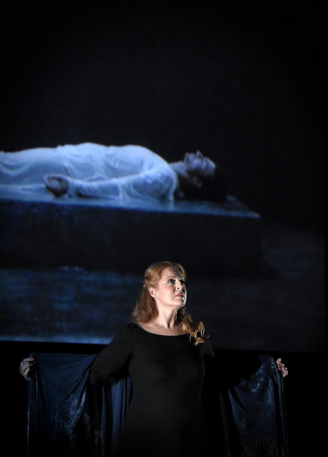 Martina Serafin (Isolde) / © Vincent Pontet (OnP)