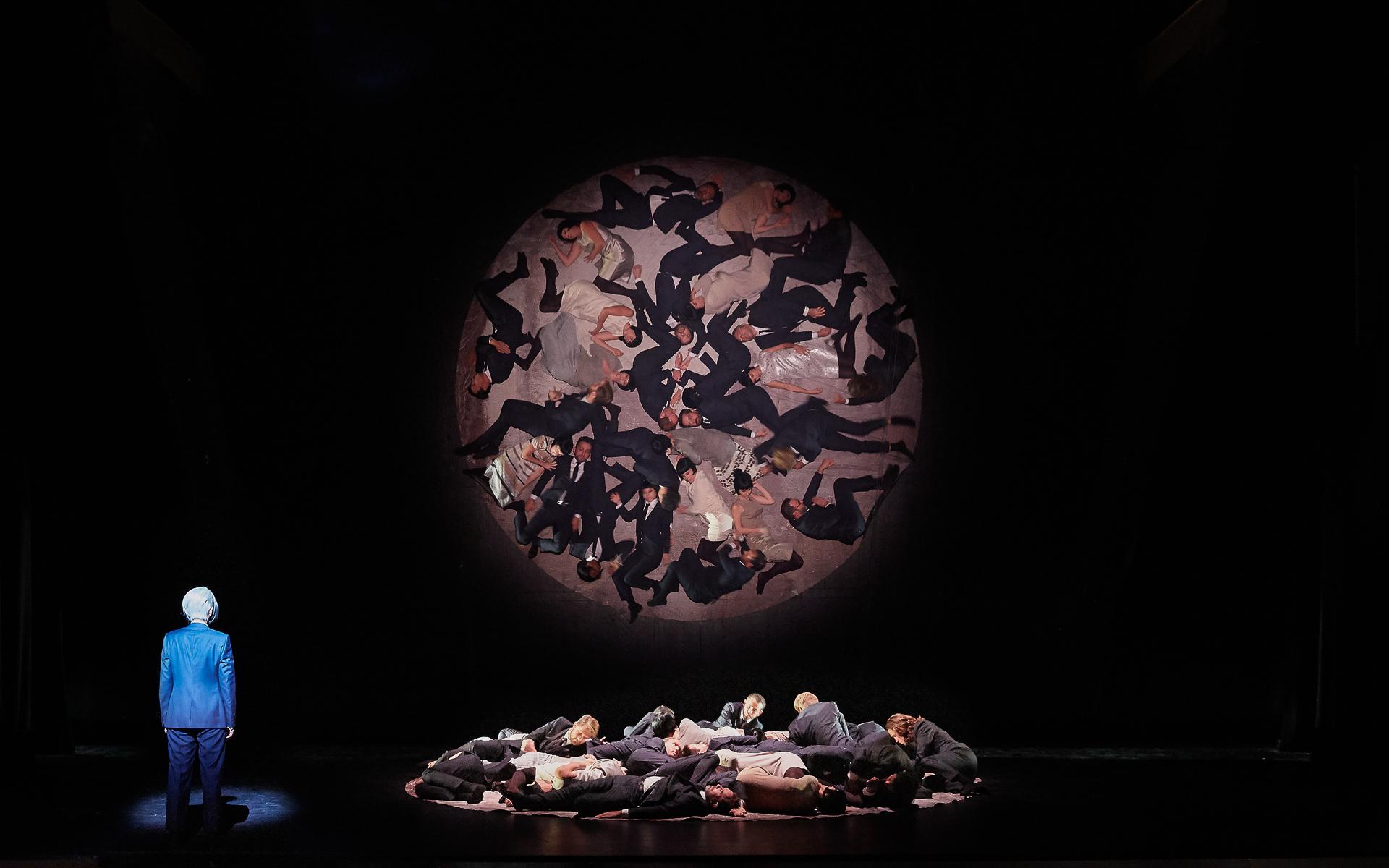 """""""Orphée et Eurydice"""" à l'Opéra-Comique (2018) : Marianne Crebassa (Orphée) / © Pierre Grosbois)"""