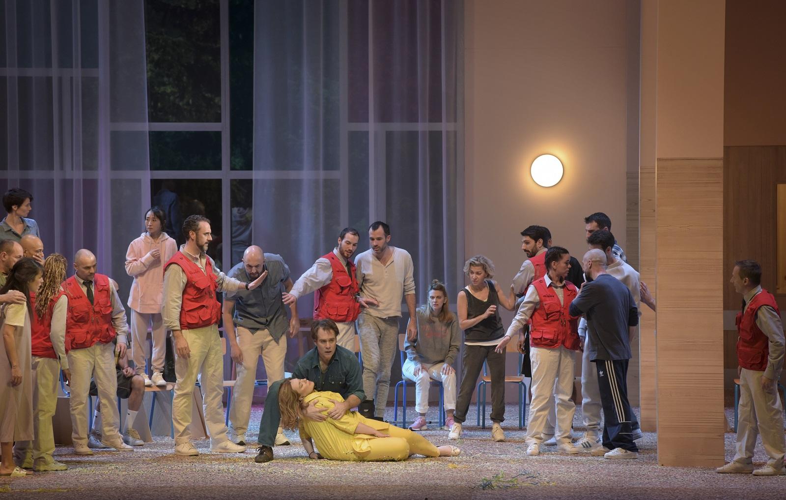« Les Troyens » (2019) : Christian Van Horn (Narbal), Ekaterina Semenchuk (Didon), Brandon Jovanovich (Énée) / © Vincent Pontet (OnP)