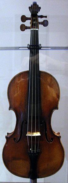 L'un de ses nombreux violons, Il Cannone, exposé au Palazzo Doria-Tursi de Gênes