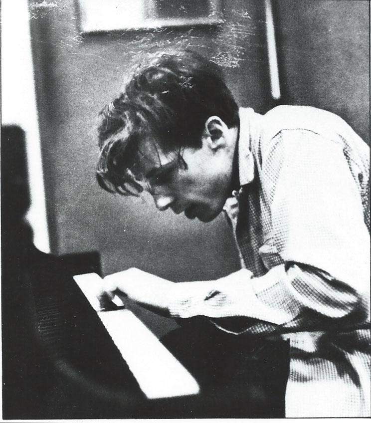 Glenn Gould, comme s'il jouait du piano avec son nez… (DR)