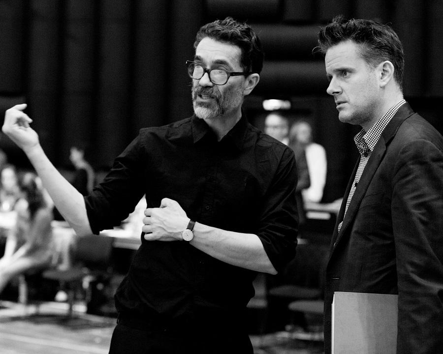 Les deux artisans du spectacle : Romeo Castellucci (à gauche) et Philippe Jordan - © E. Bauer