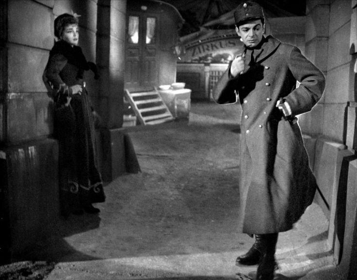 """Simone Signoret et Gérard Philipe dans """"La Ronde"""" de Max Orphüs (DR)"""