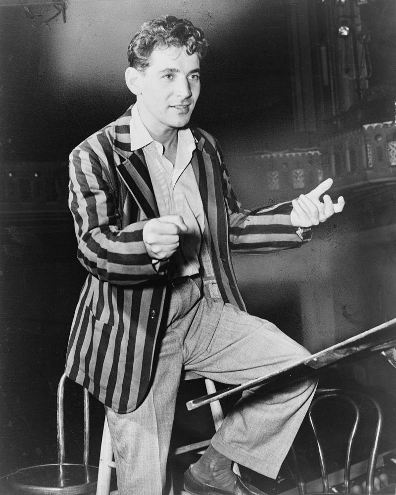 1945 : le jeune Leonard Bernstein dirige déjà le Philharmonique de New York ! (DR)