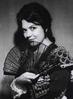 Décédée en mai 2011, la belle Jane Rhodes fit chavirer bien des cœurs. Elle fut Renata dans le premier enregistrement mondial de « L'Ange de feu ». Et une Carmen sulfureuse.
