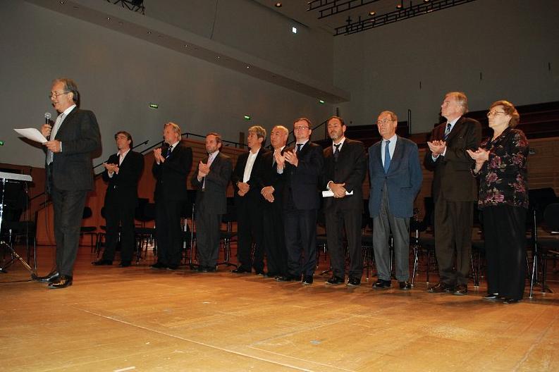 Annonce du palmarès 2009 du 9e Concours de violoncelle Rostropovitch