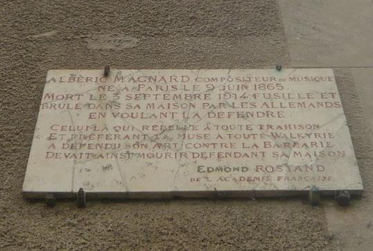 Plaque sur le mur du Manoir des fontaines à Baron (Coll. Radio France)
